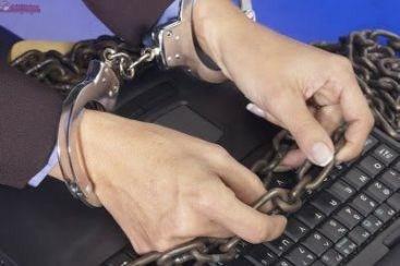Clujeni cercetati de politisti pentru piraterie online