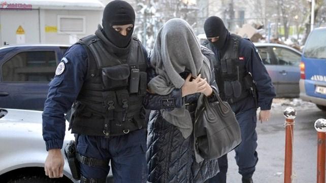 Femeie din Alba cercetată de polițiștii clujeni pentru furt din locuință