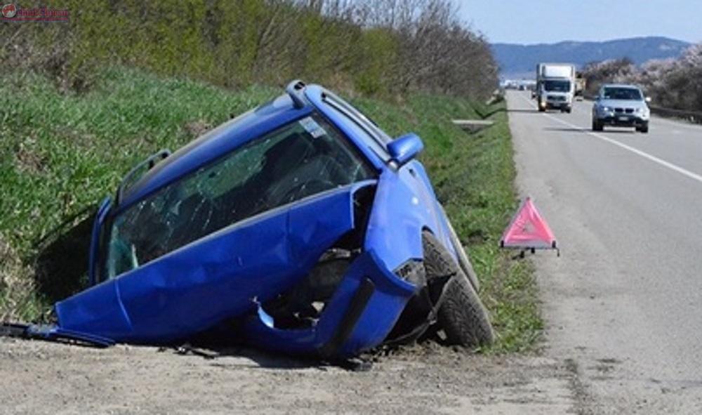 Accident cu patru victime la Jucu! O masina s-a izbit violent de un cap de pod FOTO