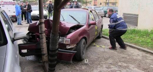 Minor de 15 ani din Dej cercetat pentru conducere fara permis, furt de auto si distrugere