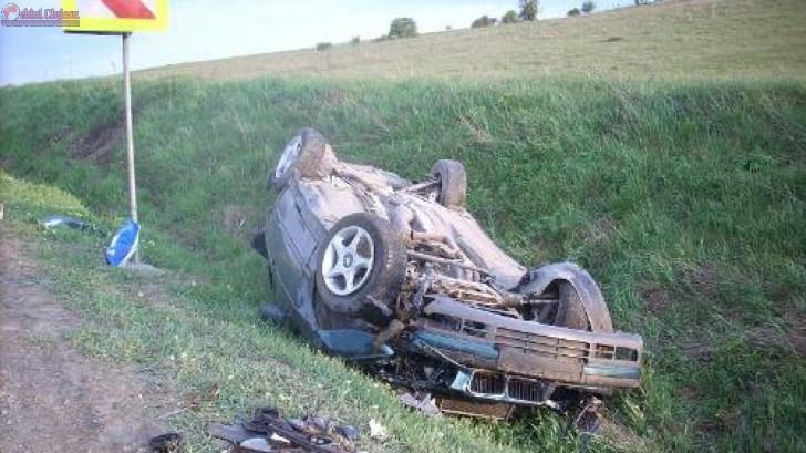 O clujeanca s-a rasturnat cu masina pe camp la Feleacu