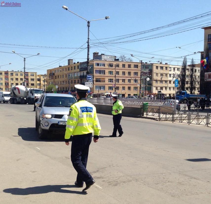 Razie la Cluj! Poliţiştii au reţinut 11 permise de conducere şi au retras 10 certificate de înmatriculare