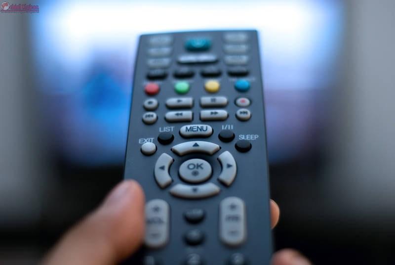 Cluj: Administratorul unei firme de cablu transmitea filme desi nu avea acest drept