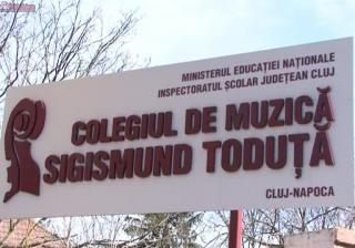 """Învățătoarea de la """"Sigismund Toduță"""" care și-a umilit elevii ramâne în învățământ. Directorii școlii și-au dat demisia"""