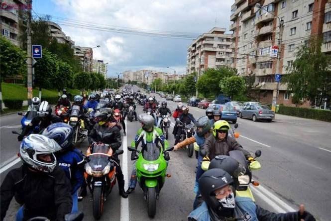 Cluj: Câștigă în weekend o motocicletă Suzuki GSX-F 600,  la adunarea anuală a motocicliștilor