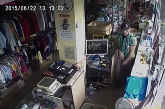 Hoţ în acţiune într-un magazin din Grigorescu. Cine îl recunoaște? VIDEO