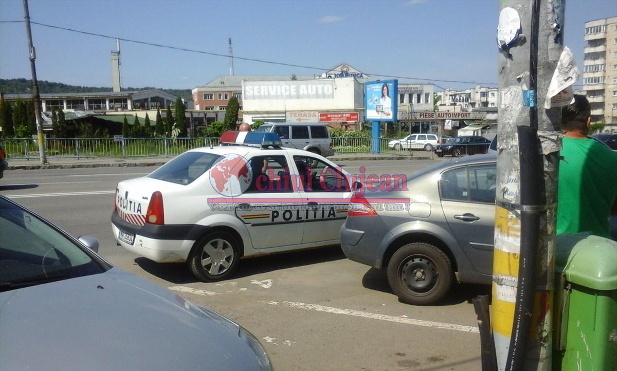 Șofer beat la volanul unui autoturism cu numere false, prins de polițiști pe Calea Florești