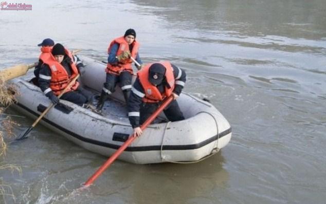 TRAGEDIE în Cluj! UPDATE Un adolescent de 16 ani a murit înecat într-un lac.  Scafandrii au recuperat trupul