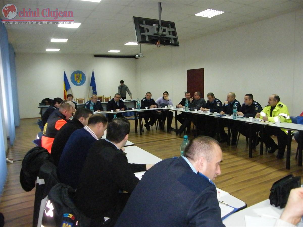 Întâlnirea jandarmilor clujeni cu reprezentanţii cluburilor sportive şi ai firmelor de pază