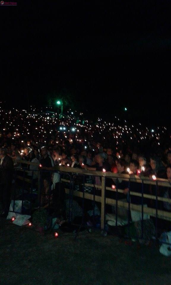 Mii de oameni au participat sâmbătă la Pelerinajul de la Mănăstirea Nicula FOTO