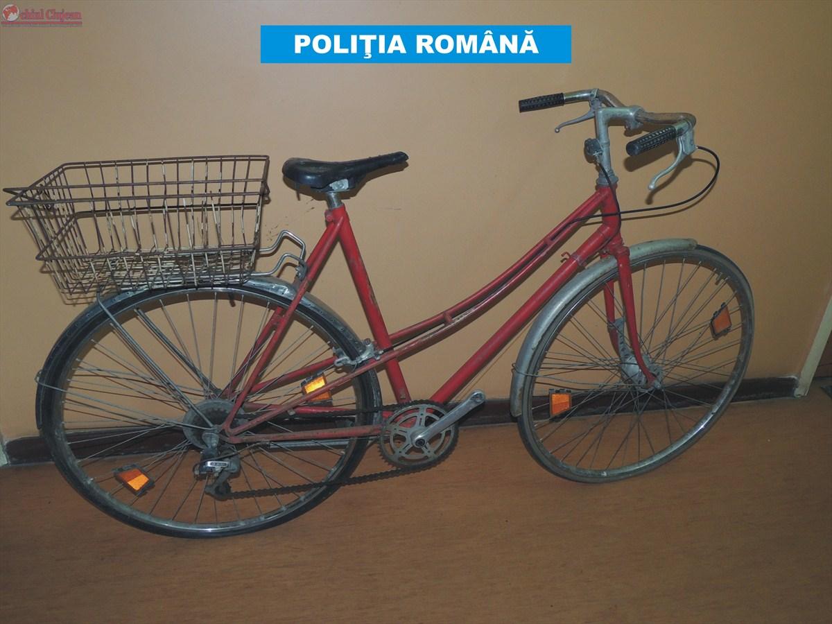 Hoț de biciclete prins la Cluj. 5 biciclete au fost recuperate de polițiști FOTO