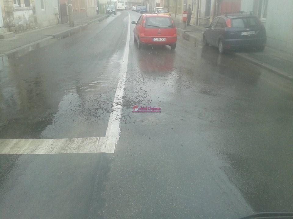 Strada Paris, fără apă! O conductă s-a spart FOTO