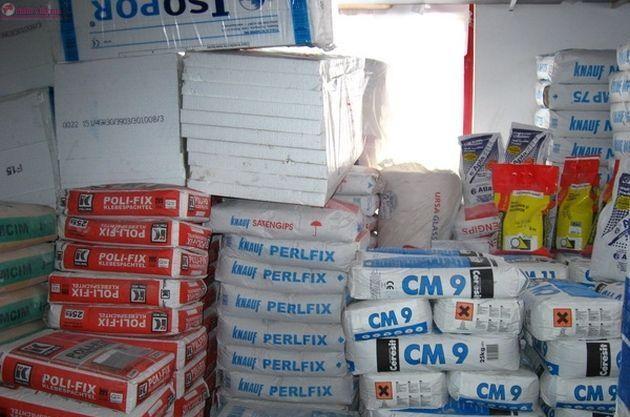 Reținuți pentru 24 de ore după ce au furat materiale de construcții de pe un șantier din Cluj