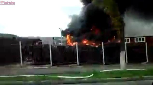 Incendiu la o vulcanizare pe varianta Mănăștur- Zorilor VIDEO