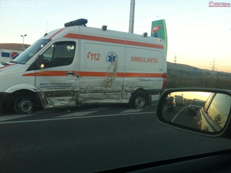 Accident în Florești! Șoferiță rănită grav după ce a lovit o ambulanță FOTO