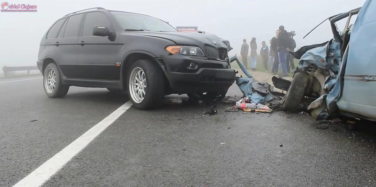Carambol la Jucu! 5 persoane au fost rănite printre care şi un copil VIDEO