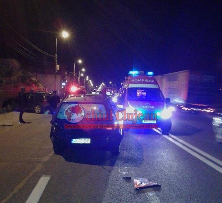 Accident cu o victimă la ieșire din Cluj-Napoca! Două autoturisme au fost implicate FOTO