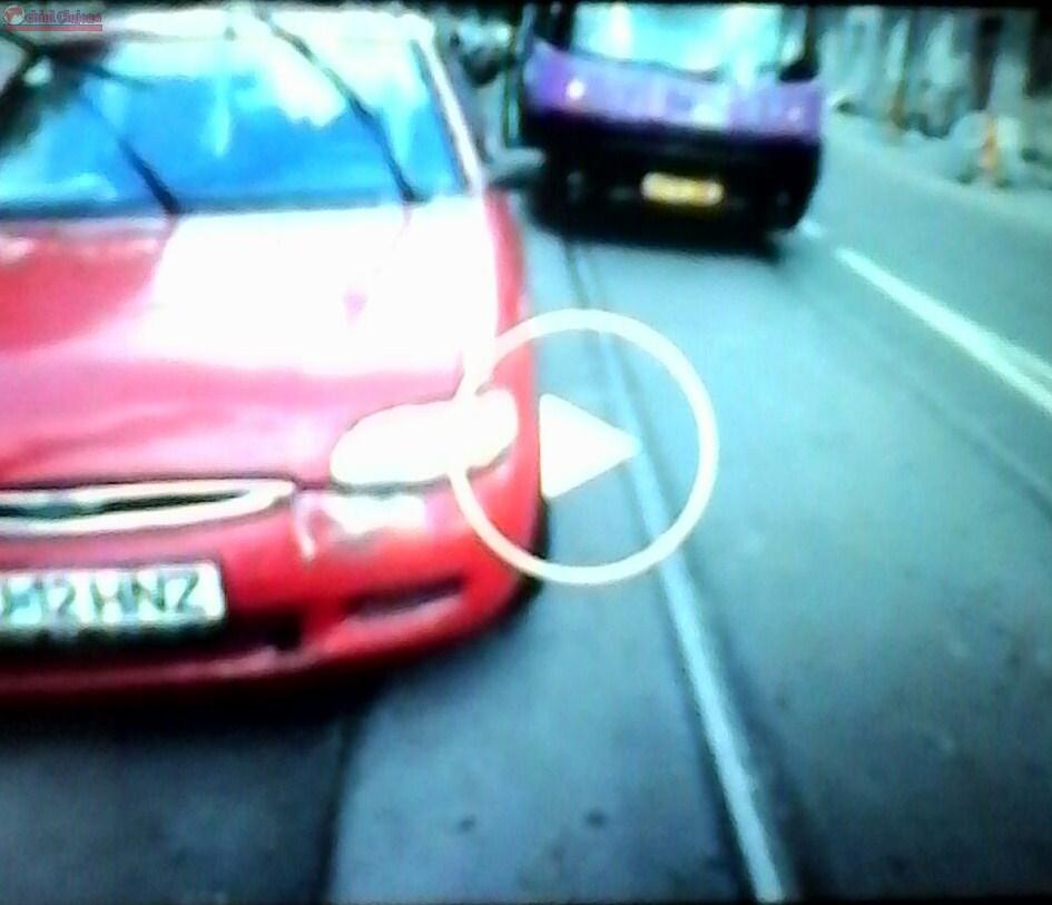 Șoferul care a blocat circulația tramvaielor 25 de minute, cercetat de polițiști. Riscă pedeapsa cu închisoarea