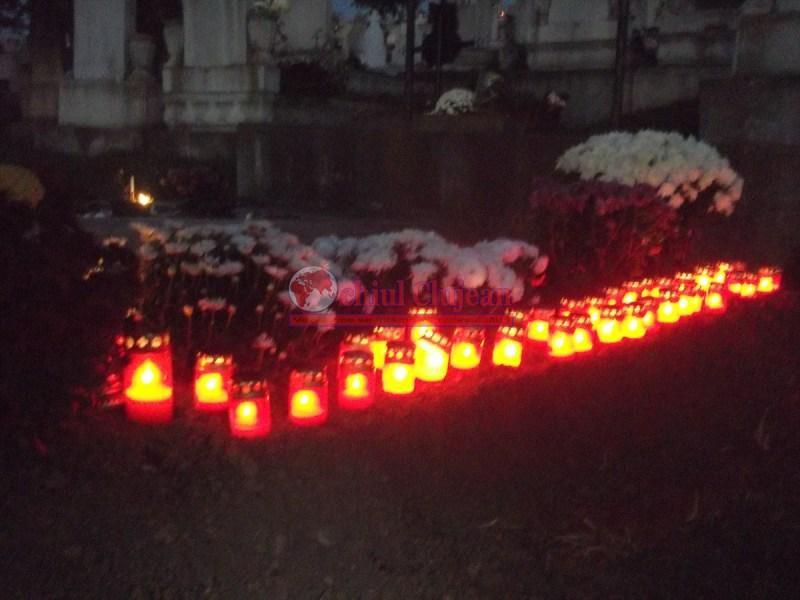 Primăria Cluj-Napoca a aprobat amplasamentele pentru comercializarea florilor şi lumânărilor cu ocazia zilei de 1 noiembrie
