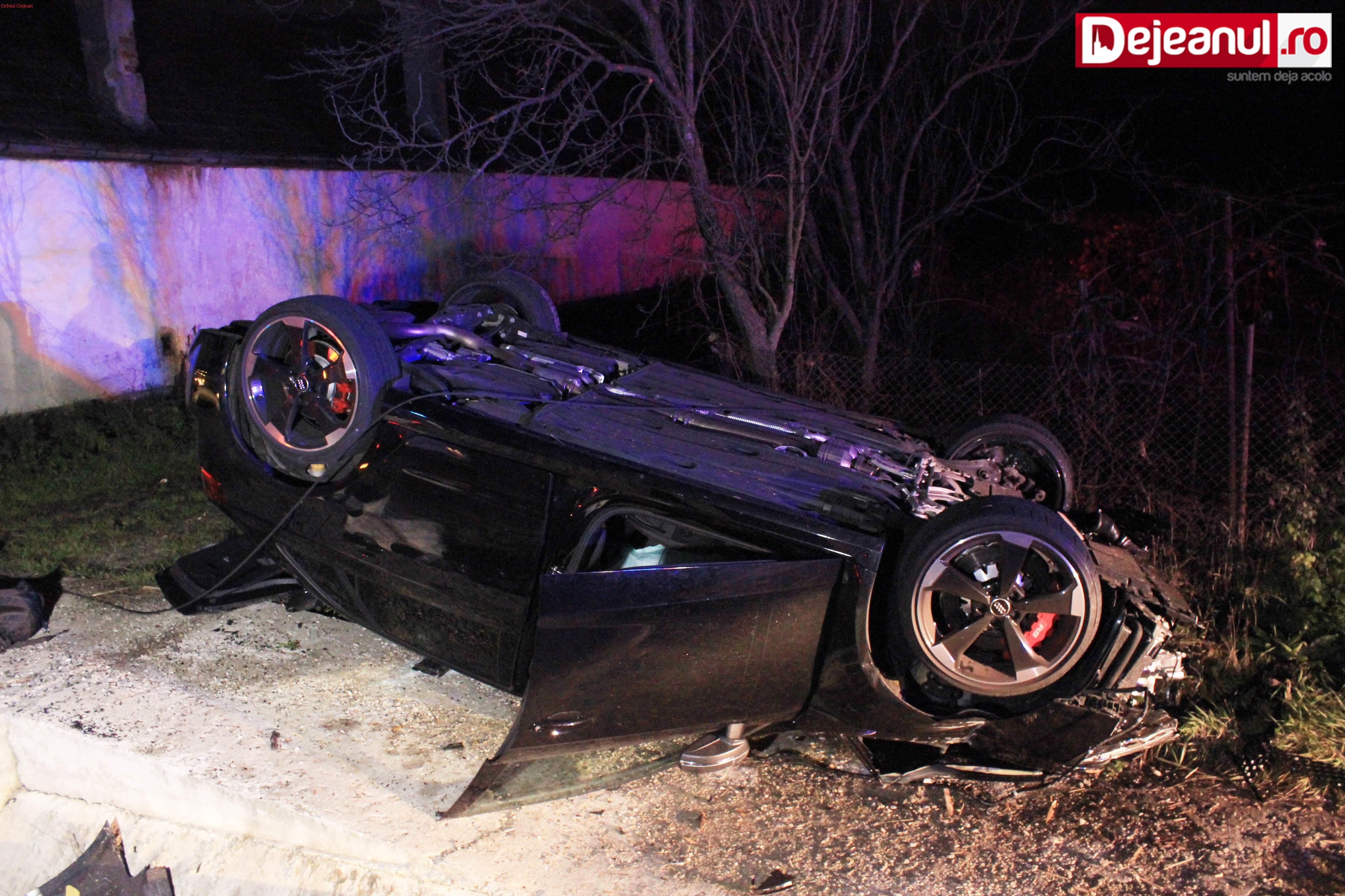 Accident pe un drum din Cluj! Un sofer s-a rasturnat cu masina FOTO