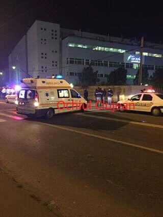 Accident pe Fabricii! UPDATE Un șofer beat a pus la pământ un stâlp și s-a  oprit într-un gard FOTO
