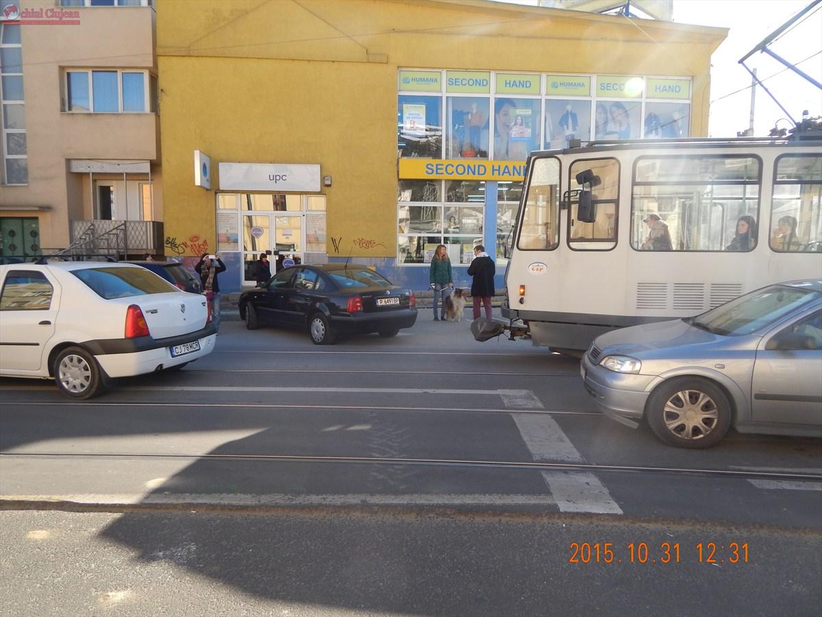 Circulația  tramvaielor blocată pe strada George Barițiu peste 30 de minute – FOTO