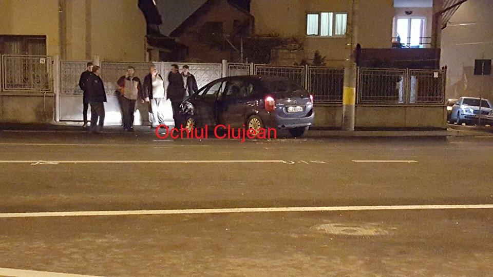Accident pe Maramuresului! Coliziune intre o duba si un autoturism – FOTO