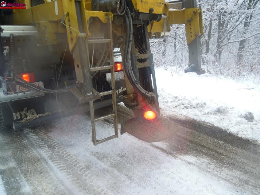 Nu există drumuri județene blocate de ninsori în județul Cluj