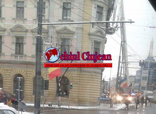 Siguranța trecătorilor pusă în pericol! Pompierii au intervenit pe strada Horea -FOTO