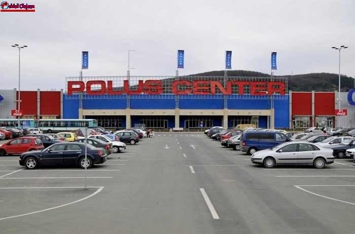 Tanăr din Alba, prins la furat de haine în Polus Center