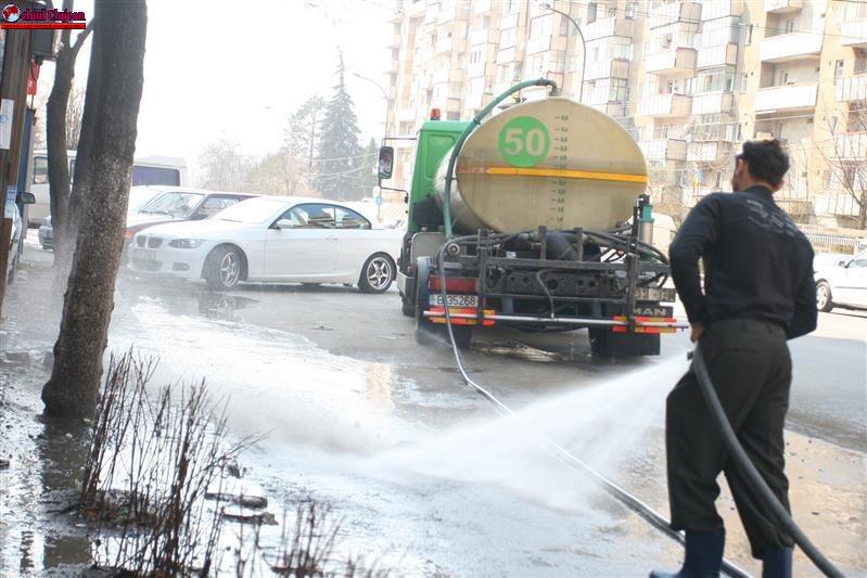 """Cluj- Napoca: Programul acțiunii """"Curățenia la rigolă"""" în weekend"""