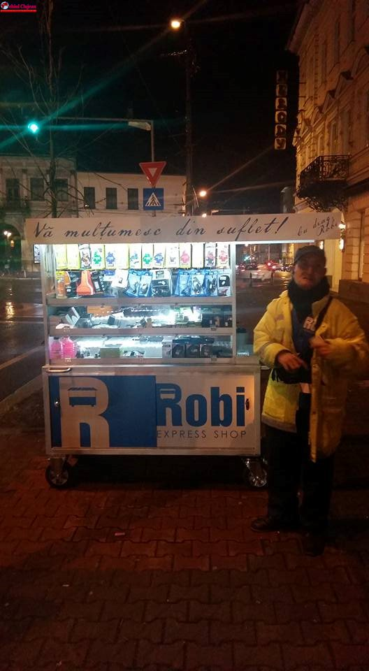 """Robi a primit astăzi noul cărucior achiziționat din banii clujenilor. """"Vă mulțumesc din suflet"""" FOTO"""