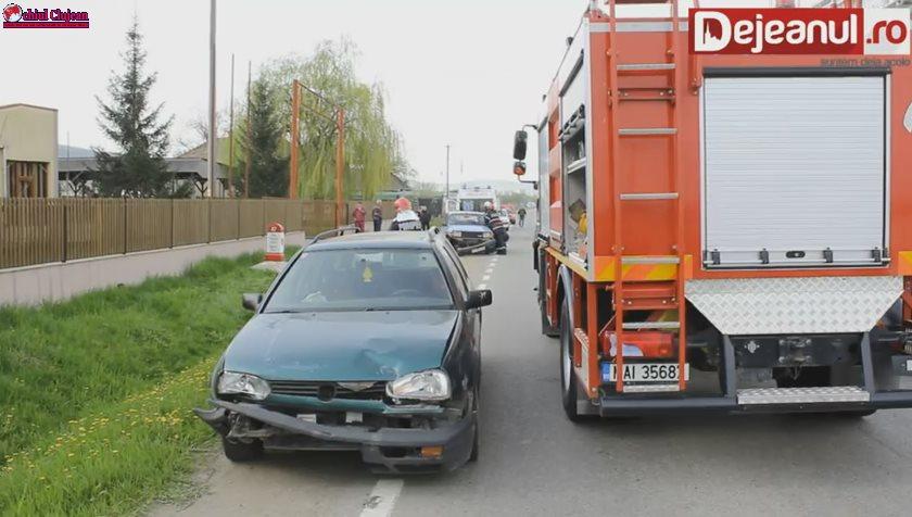 Coliziune între două maşini la Gherla! Un bărbat de 83 de ani a ajuns la spital VIDEO