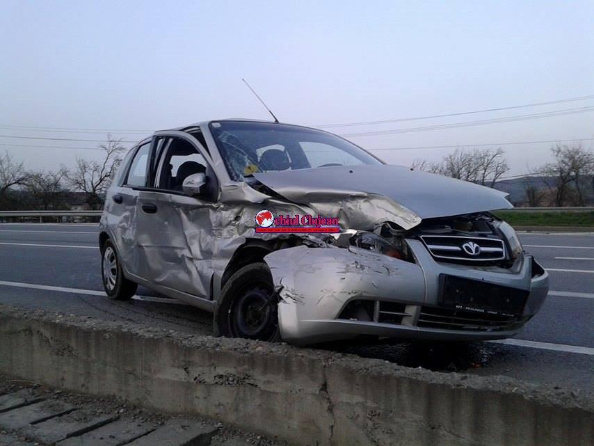 Accident la Bunești! Coliziune între un TIR și un autoturism FOTO