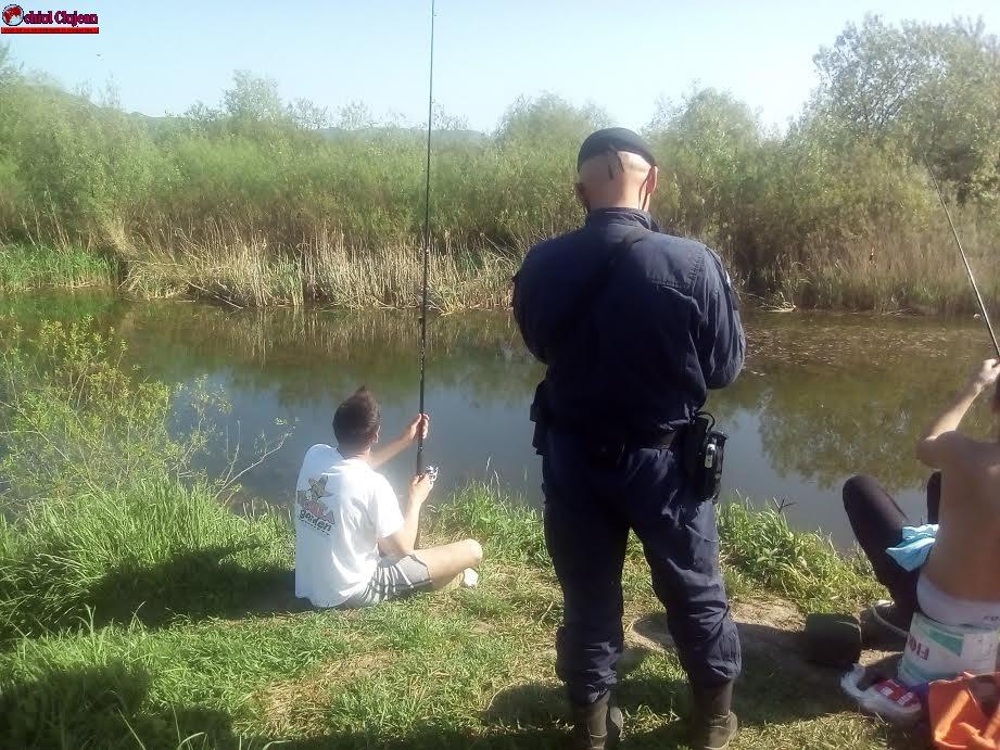 Cluj: 5 persoane amendate pentru pescuit ilegal