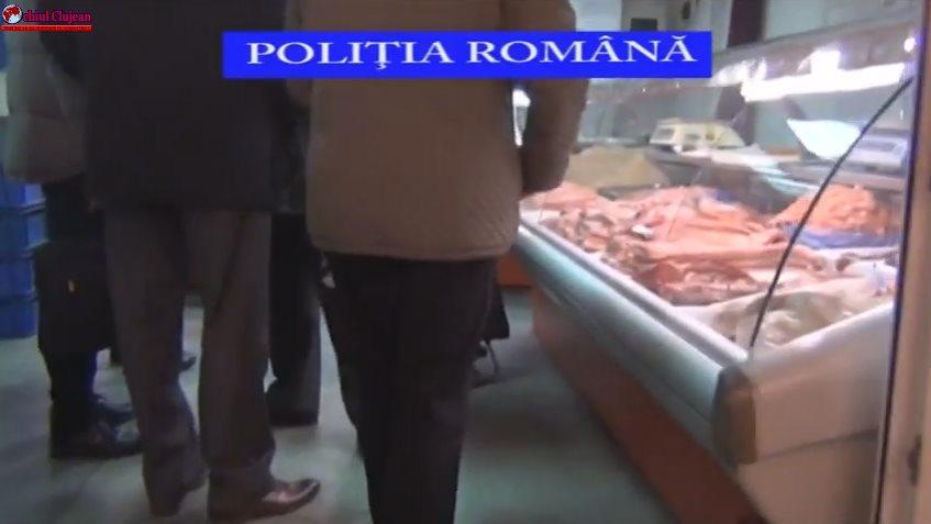 Razie în piete la Cluj! Polițiștii au dat amenzi de peste 74.000 de lei și au confiscat kilograme de alimente VIDEO