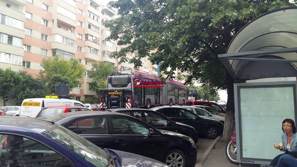 Primul troleibuz mov a ajuns la Cluj FOTO