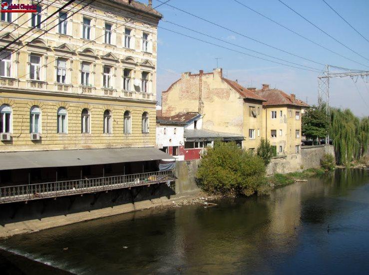 Persoană căzută în Somes, în zona Podului Horea