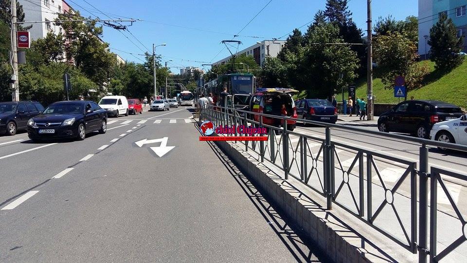 UPDATE Pieton beat acroșat de un tramvai în Mănăștur FOTO
