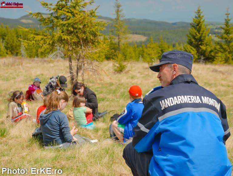 Siguranţa iubitorilor muntelui  în atenţia jandarmilor montani clujeni