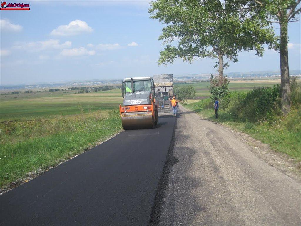 Se asfaltează drumul judeţean DJ 161B Turda – Bogata – Călăraşi FOTO