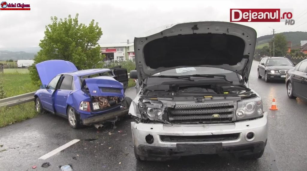 Accident la Bunești! Trei mașini au fost implicate VIDEO