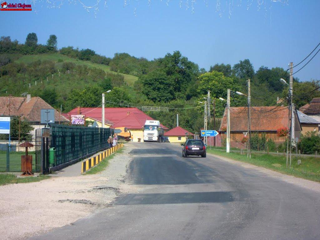 Lucrări de întreţinere şi covor asfaltic pe drumul judeţean DJ 108C Gârbău – Aghireş FOTO