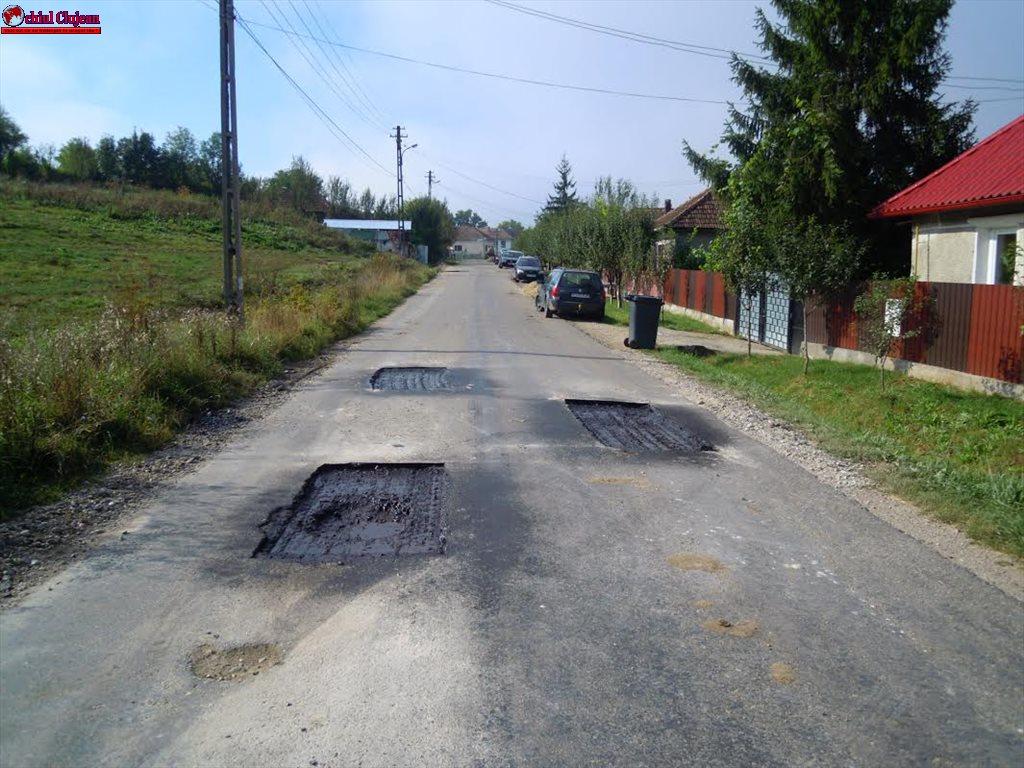 Au demarat lucrările de întreţinere şi reparaţii pe drumul judeţean DJ 161 Gădălin- Bonţida FOTO