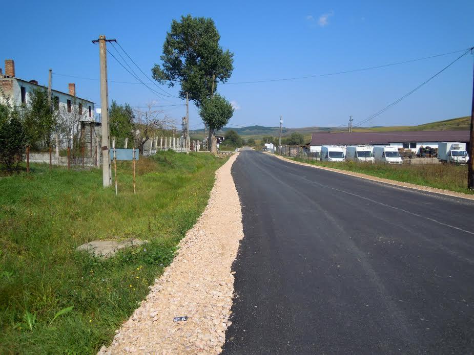 S-a finalizat reabilitarea şi modernizarea drumului judeţean DJ 105T Popeşti – Berindu – DN1F FOTO