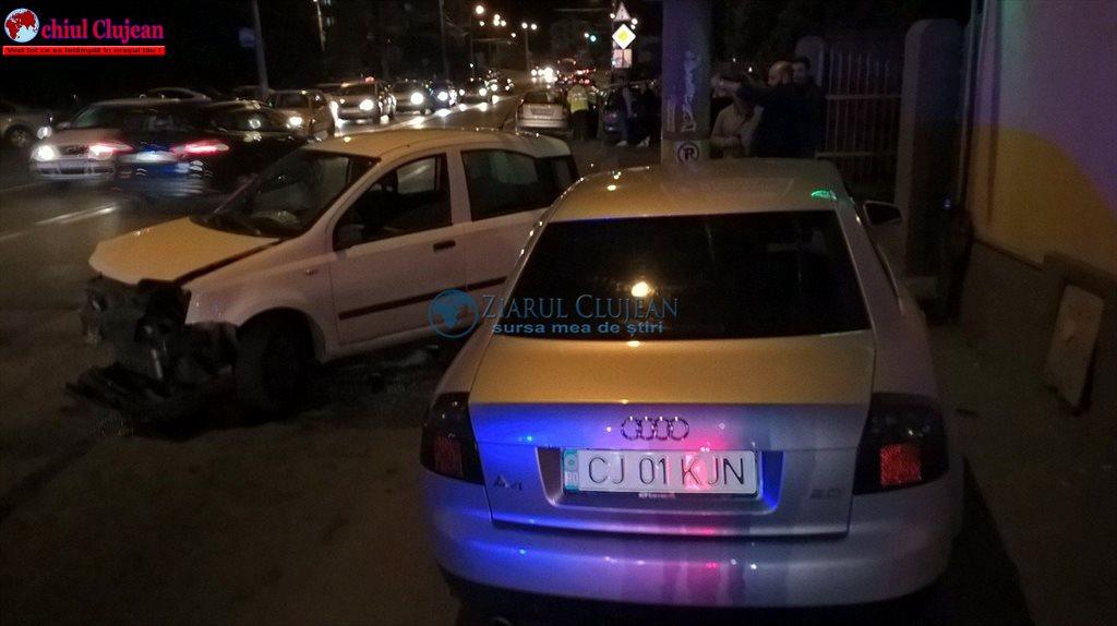 Accident cu trei mașini pe strada Teodor Mihali FOTO