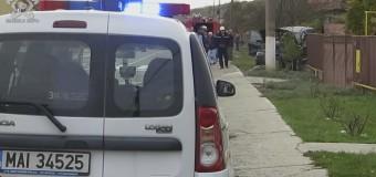 Coliziune între două mașini la Gherla! Un BMW a ajuns pe gardul unei case FOTO
