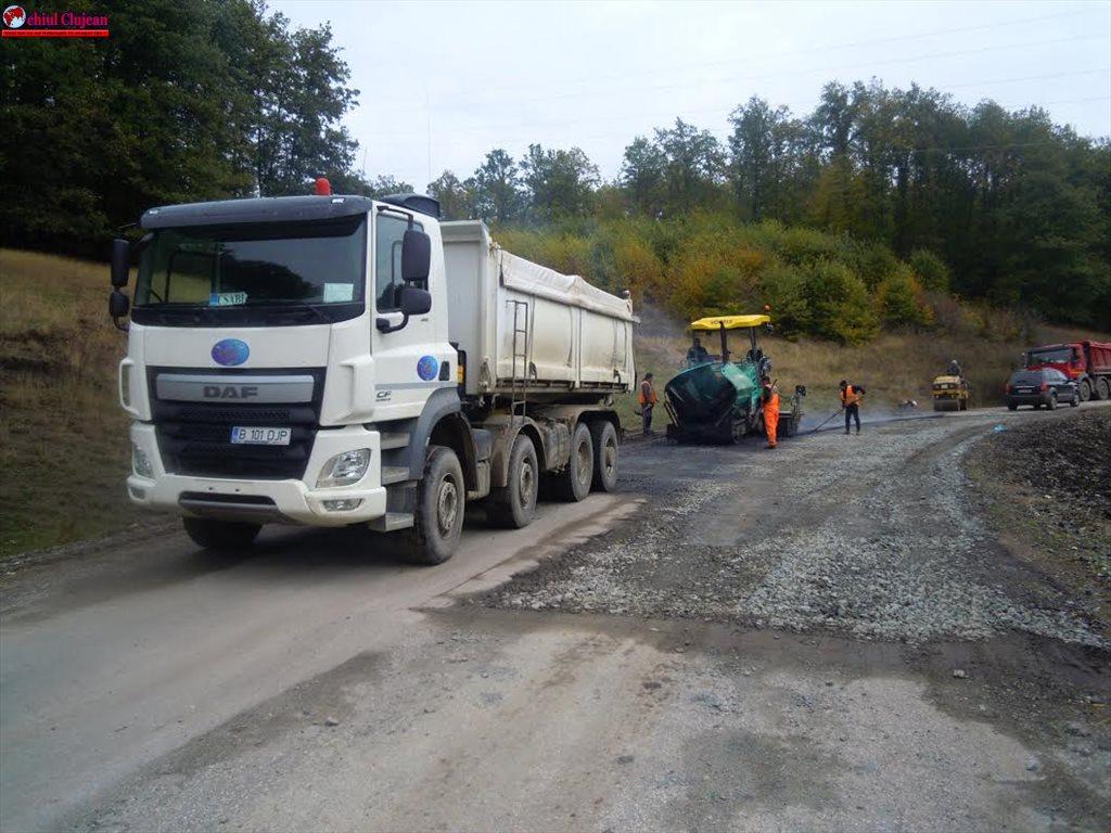 Cluj:  S-a asfaltat tronsonul de drum dintre Dealul Jurcii și Jurca FOTO