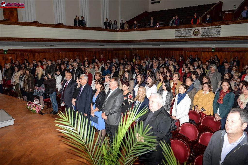 Profesorii clujeni de excepție au fost  premiați într-o Gală a Excelenţei FOTO