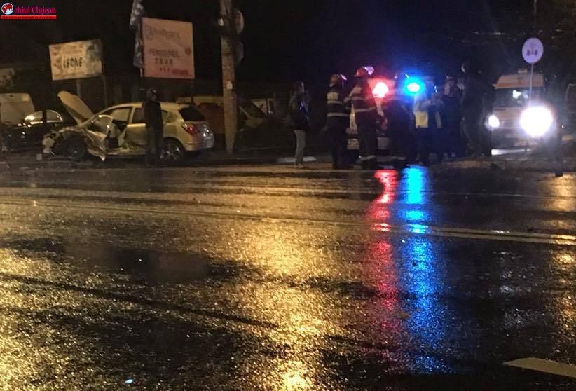 Accident grav în Someșeni! Un autoturism s-a răsturnat FOTO